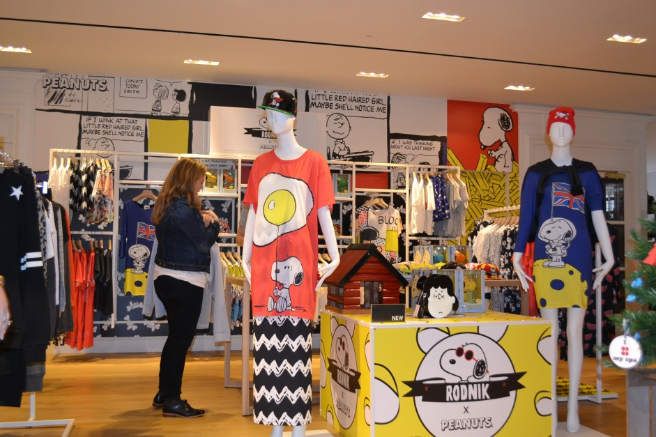 Pop Up Peanuts Shop Event Merch